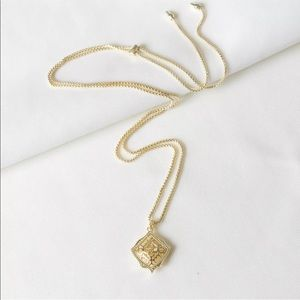 NWT Kendra Scott Kacey Gold Filigree Necklace